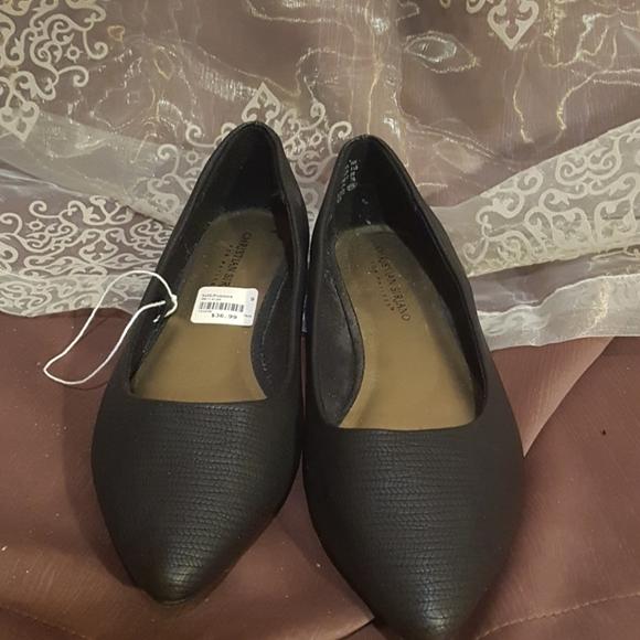Black flats shoes